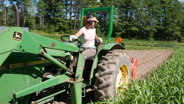 The new #NAFTA is filled with corporate giveaways that directly impinge on state and federal authority to protect the public. Mainers are right to be skeptical that it will fix #farmers' woes, says @SharonTreat https://www.bilaterals.org/?sharon-treat-mainers-right-to-be…