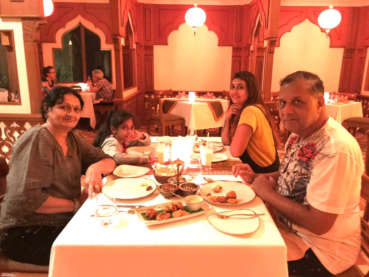 You can take an Indian out of India but you can't take India out of an Indian, they say! A glimpse from our Mother's Day special dinner! #TheMahal @KurumbaMaldive #Maldives #KurumbaMaldives #MaldivesInFullColors #Vacay #Family #GoodTimes #FamilyDinner #FamilyTime #IndianCuisine
