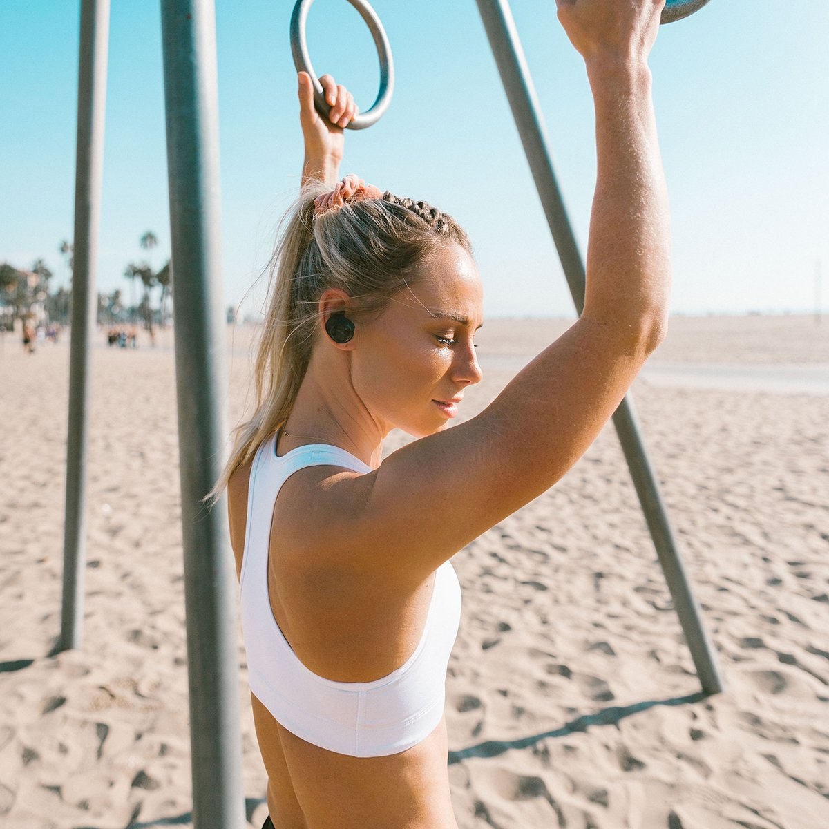 Beach workouts are in. #BeachLife #SoundSport Free https://bose.life/2V9NlLC