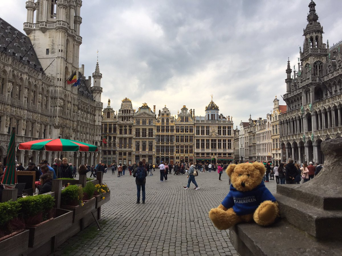 From Brussels to Paris! We've had a fantastic couple of days in Belgium and our wee travel buddy even managed to see some of Brussel's beautiful architecture. We're looking forward to beginning the French part of our trip with our alumni event in Paris tonight. #Abdnfamily