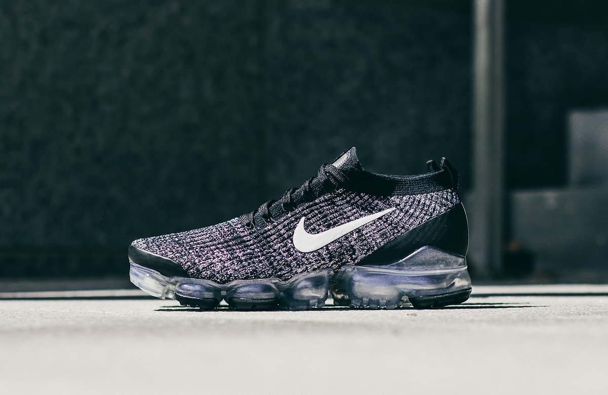 on sale 76759 d394c ... colourway of the Nike Air Vapormax Flyknit 3 that is now available on  Nike CA for  255 + free shipping https   bit.ly 2Jgcz9r pic.twitter.com  iLU4LAF771