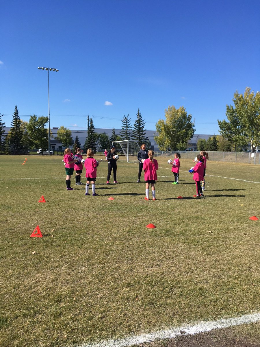 New to coaching? Many of our districts are hosting coaching courses to help equip you with the tools you need to be the best coach you can be:  https://albertasoccer.com/coach/course-registration/…  #SoccerCoach #BetterCoachesBetterPlayers