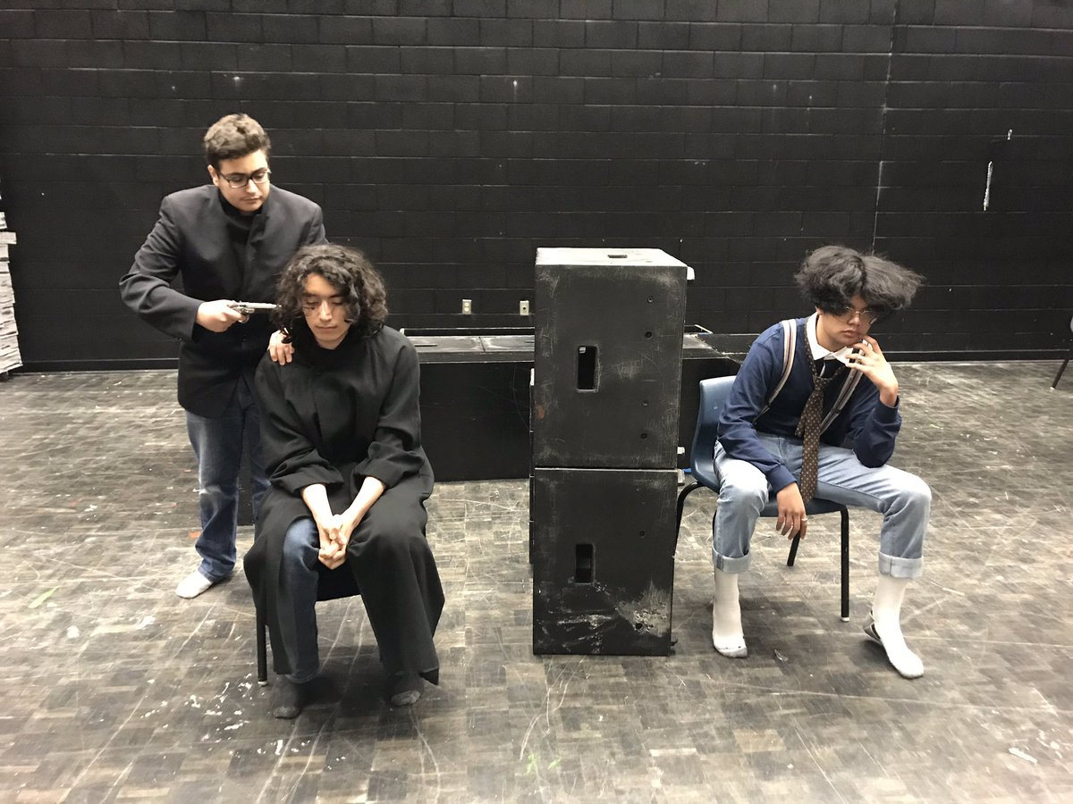 2/2 Hats off to the period 3 actors! #dialogue #memorization #stanislavski #characterwork #drama #ocsbarts #performance @ottcatholicSB @StFXOCSB<br>http://pic.twitter.com/qKpHiDnsYJ