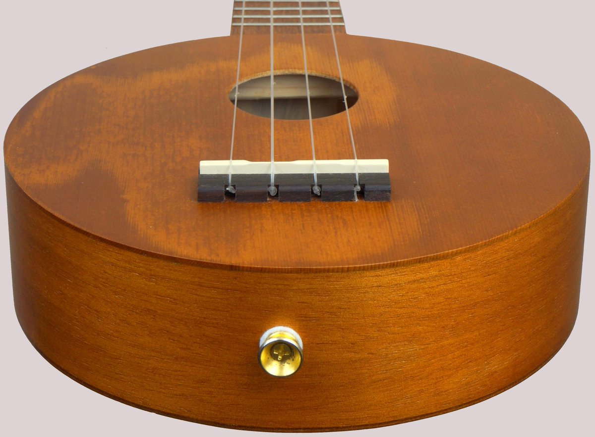 team international art series one red cedar roundbody Ukulele