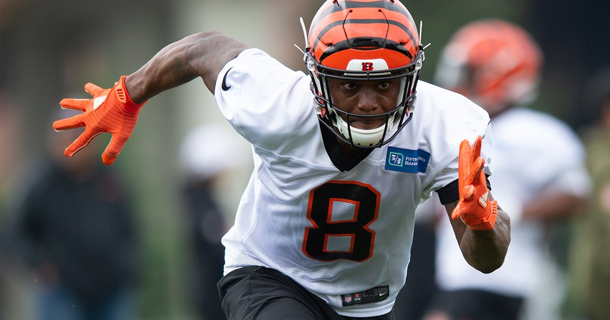 WR Stanley Morgan followed @ochocinco's career and followed him on Twitter.   Now he follows in his footsteps as part of the Cincinnati #Bengals.  Morgan Follows Chad On His Way To NFL Shot 📰: https://go.bengals.com/2JCDlbB
