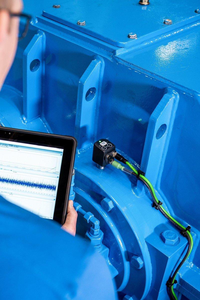 Der Vibrations- und Temperatursensor #DX500 von #flender bringt Ihre #Getriebediagnose auf ein neues Niveau. Die Messungen erfolgen direkt am Getriebe und zeigen Unregelmäßigkeiten direkt per #App auf seinem Smartphone an. #diagnostex #ad #vfv19 https://t.co/VGsqVGepYA