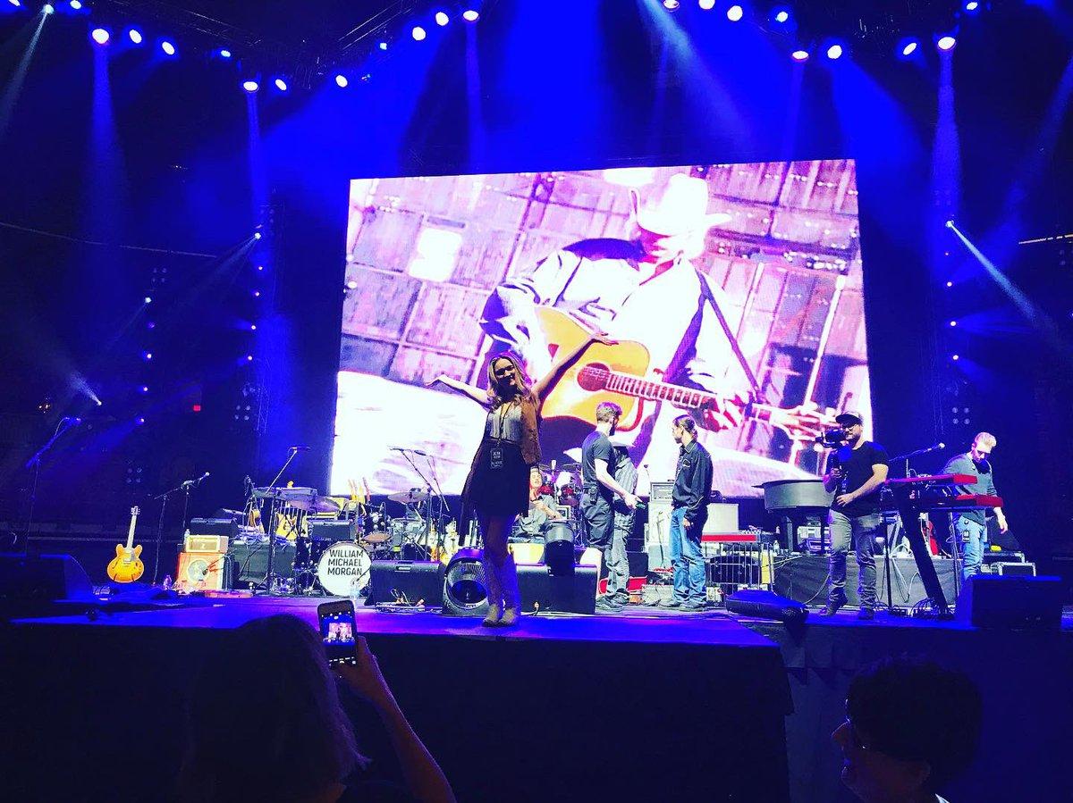 Sound Check on Main Stage!! #Columbus #Ohio #AlanJacksonTour #AlanJacksonpic.twitter.com/Oc5LPnIhck