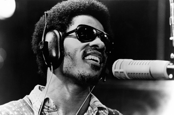 Happy Birthday to Stevie Wonder, one of the greatest to ever do it.