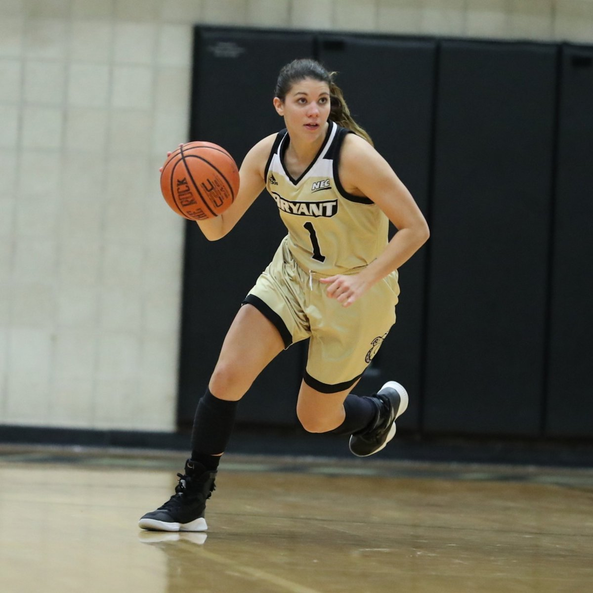 Did you know that Masey Zegarowski nearly doubled her assist total from last season?!  24 ➡ 50  Talk about #MondayMotivaton   #AllHeart | #AllHustle | #GoBryant