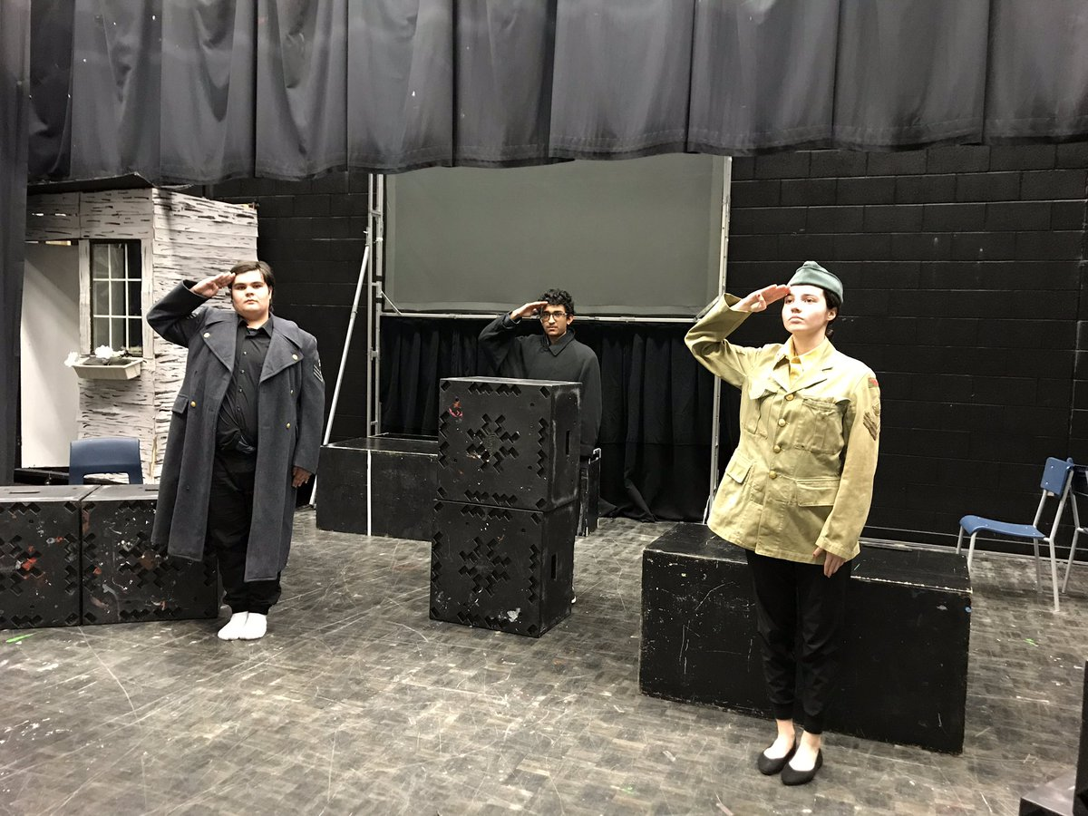 Pictures from the last two character dialogue performances today. Such amazing work in portraying the scripted characters given! #drama #ocsbarts #characterwork #dialogue @OttCatholicSB @StFXOCSB<br>http://pic.twitter.com/bY7L2WX2At