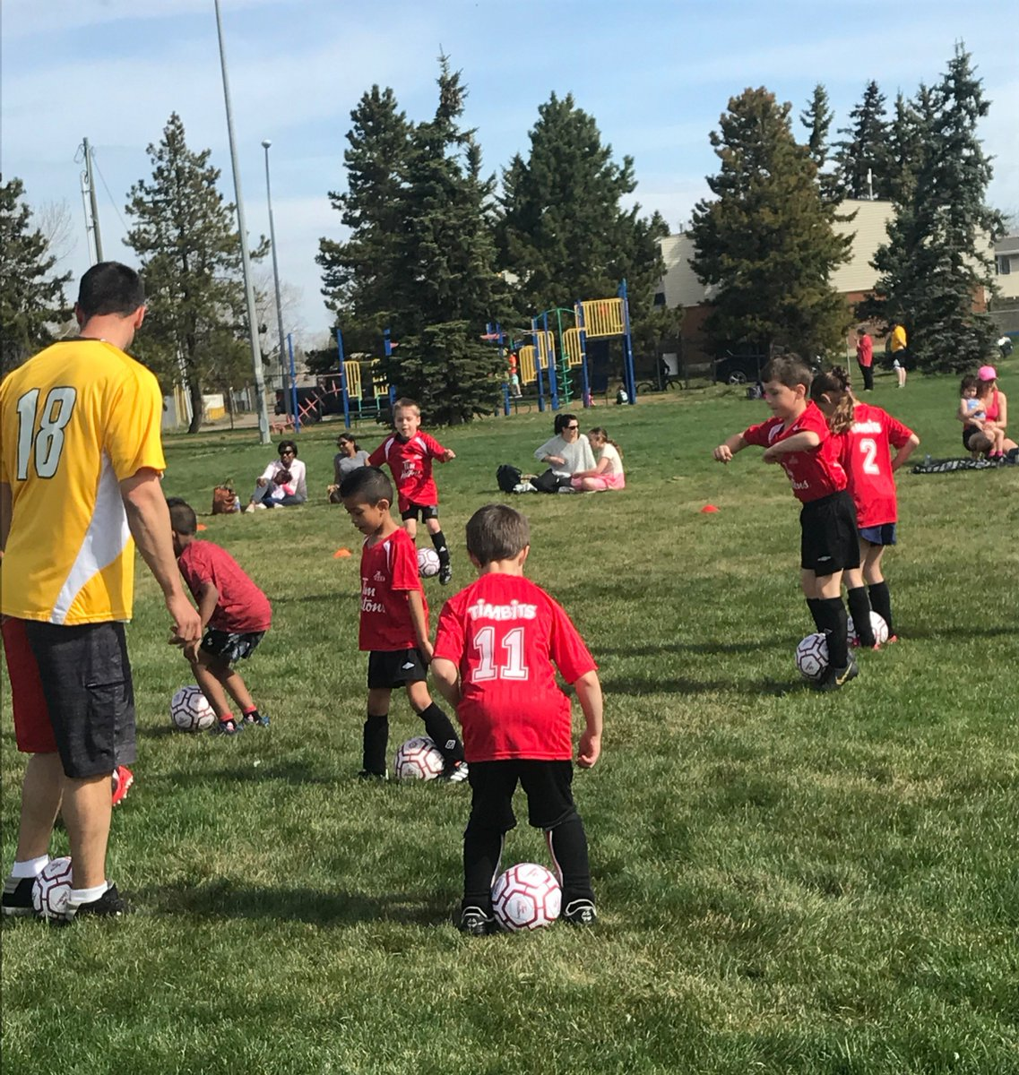 Alberta Soccer's John Clubb, implementing the Preferred Training Model in Grande Prairie's Soccer programming over the past week. The goal? Engaged players AND coaches!  Photos: http://ow.ly/V9uX50ua045  Request a visit in your community: http://ow.ly/StPz50u9VMJ  #ThisIsGrassroots