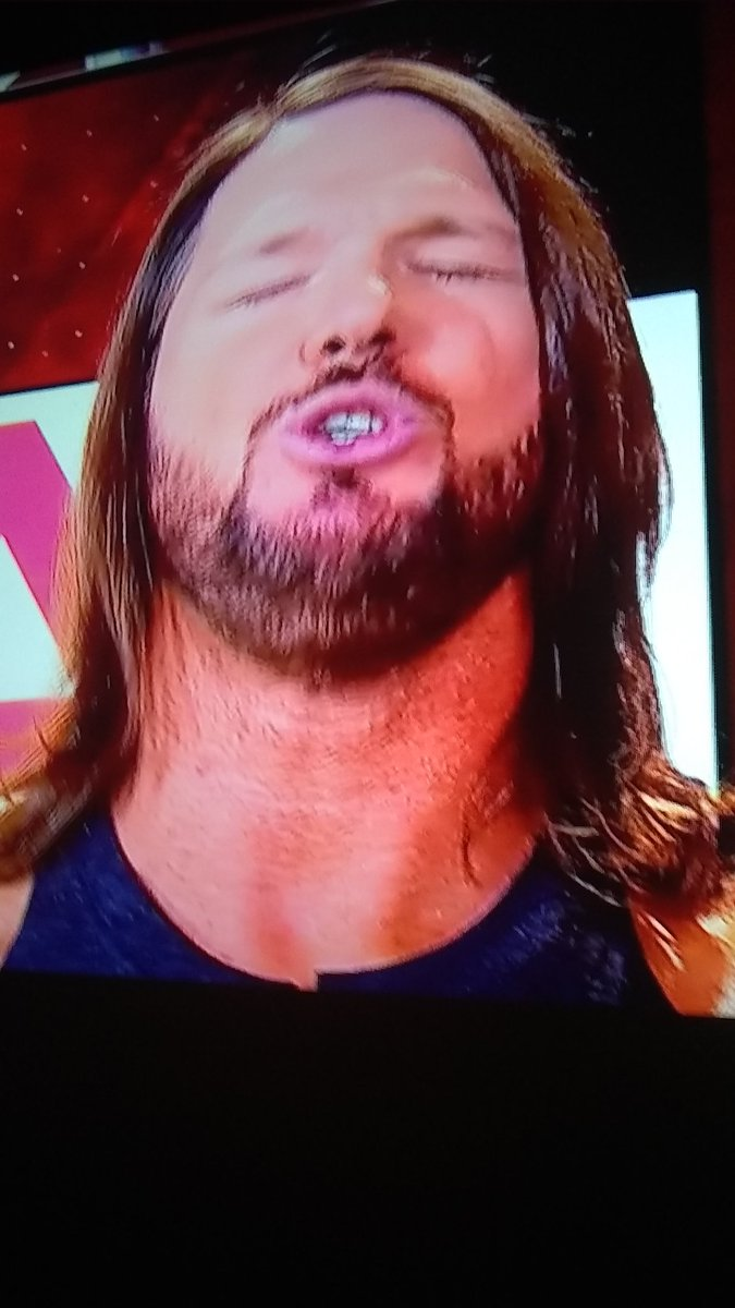 #RAW OMG my favorite phenomenal of WWE Monday'Night Raw and SmackDown Live the phenomenal @AJStylesOrg aj style's