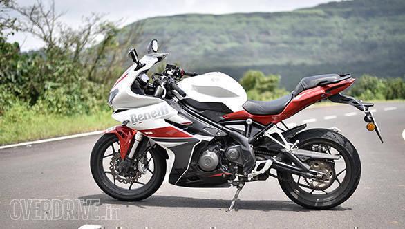 Benelli tnt 302s price in india