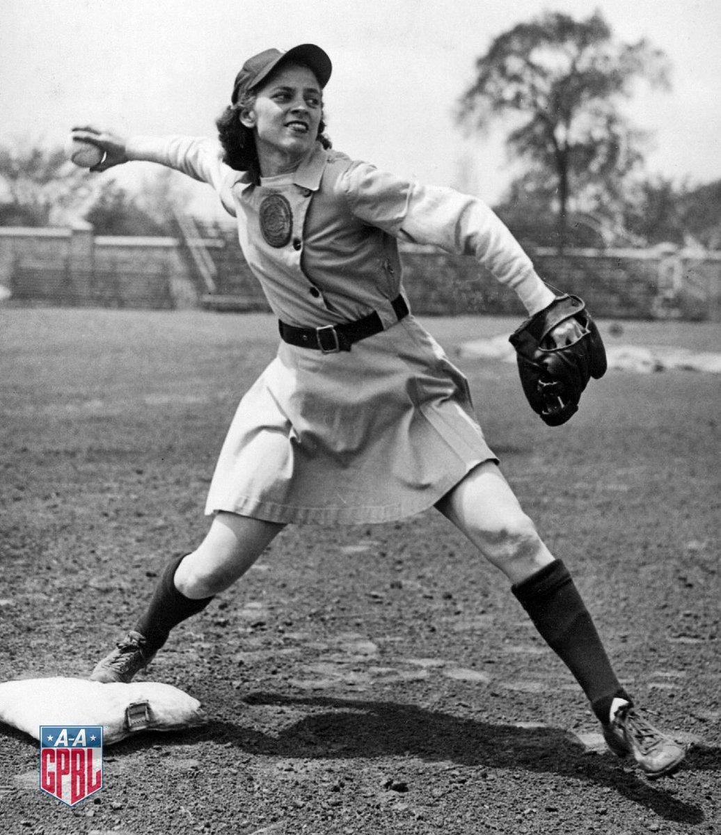 all american girls baseball league - 736×914