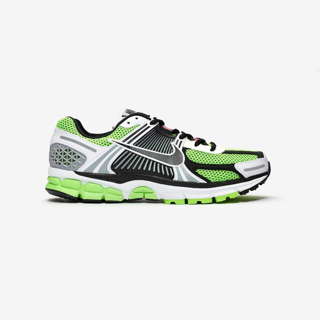d7ded08703761 The  Nike Zoom Vomero 5 SE SP has now launched online   in-store (Paris