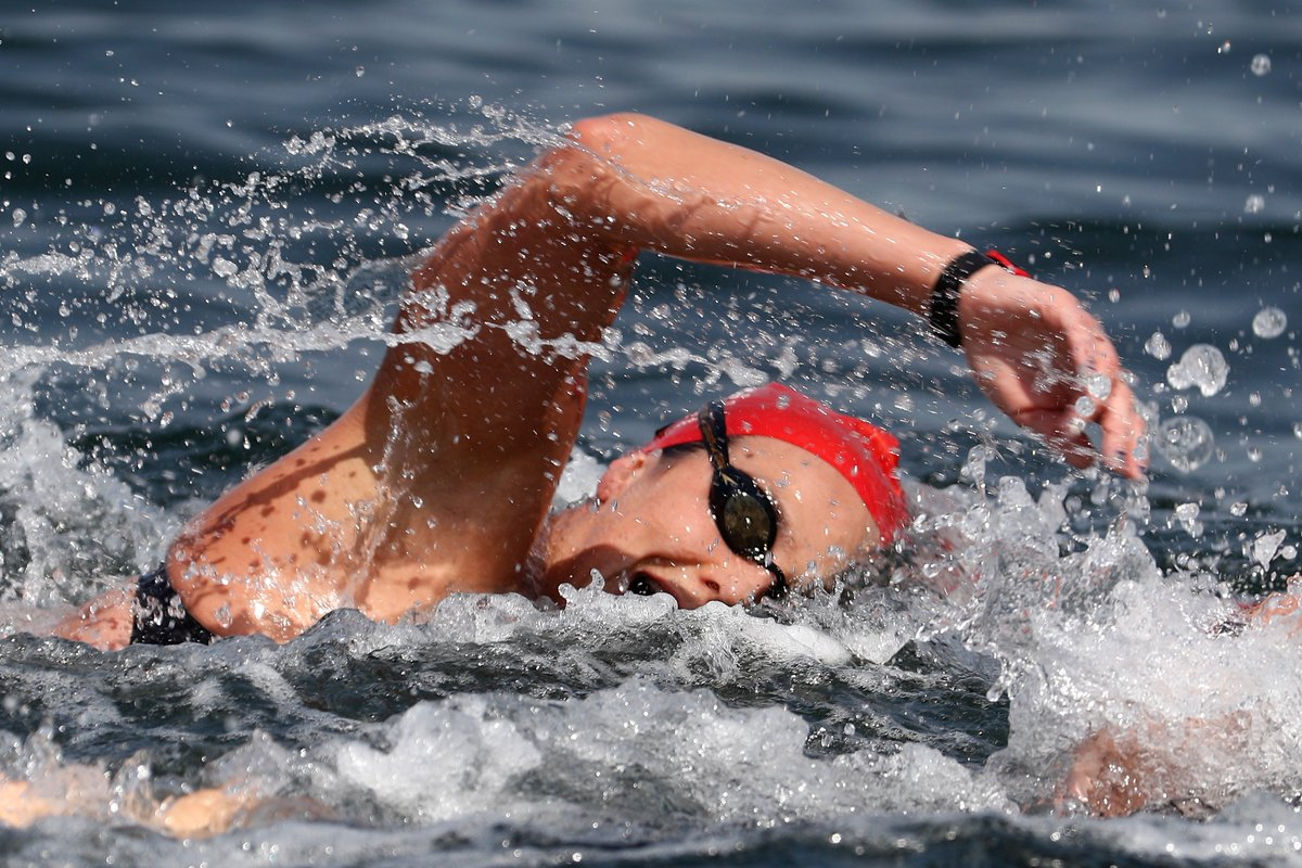 Studies have found exercising at least three times a week, can reduce your risk of depression by up to 30% If you've been thinking about some #WaterWellbeing here's Olympic swimmer @KeriannePayne with her TOP TIPS http://bbc.in/2W9BrGd#GetInspired #MentalHealth