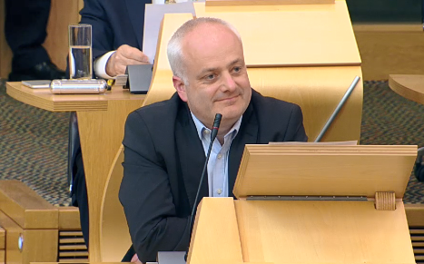 Green MSP @markruskell has told parliament his party won't commit to negotiations over the Scottish Government's next budget unless climate change and a green new deal are at its heart. As a minority gov, the SNP relies on greens to get the budget through.