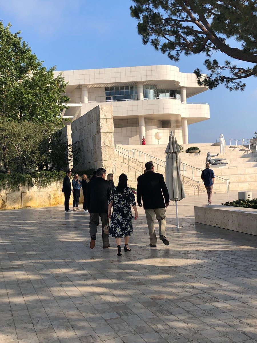 Thank you to all our alumni who made it to the wonderful exhibition @GettyMuseum last night! The exhibition is running until August so there's still plenty of time to go if you're in LA! #Abdnfamily