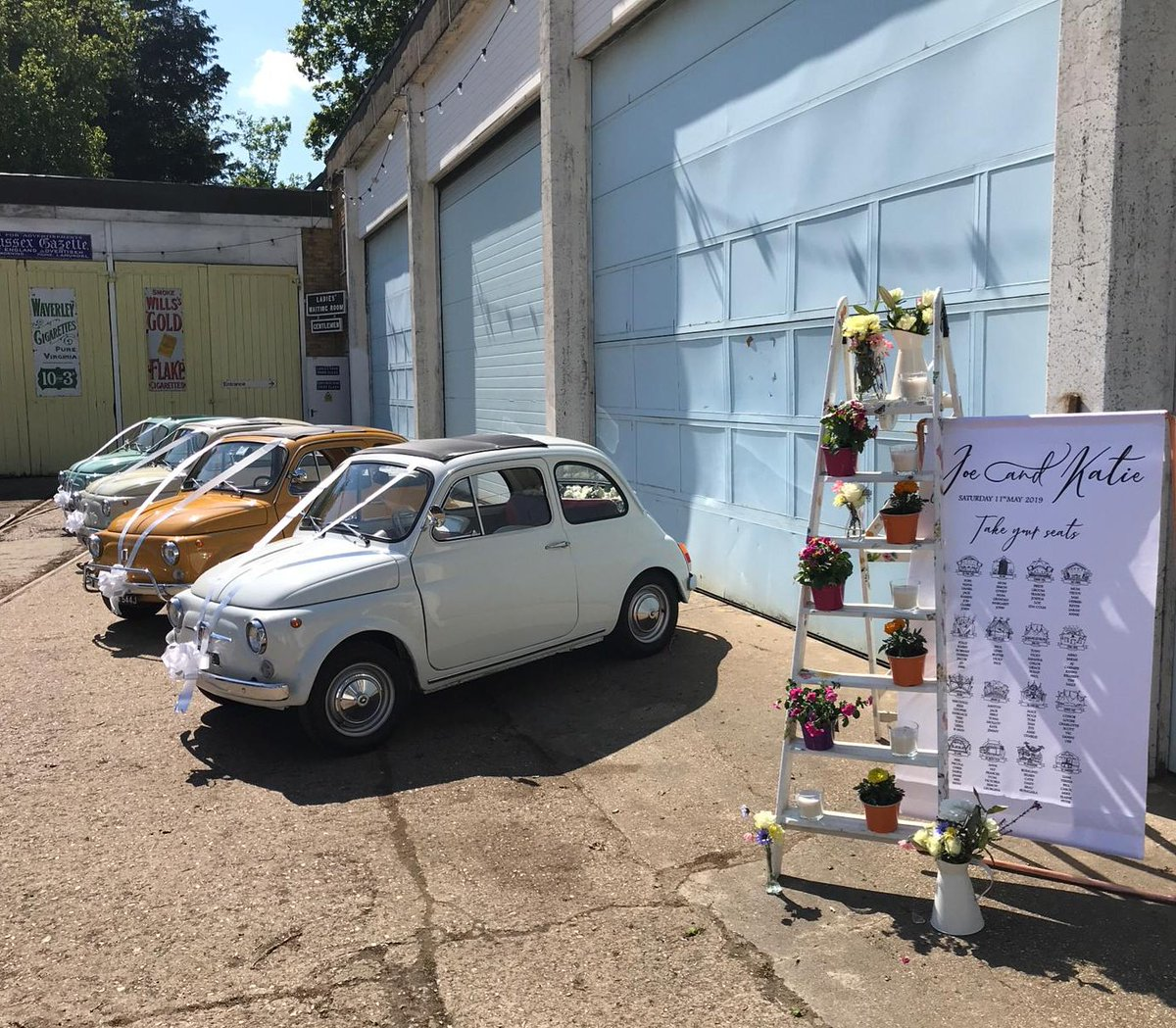 .@FawleyHill is a wonderful venue for a wedding if you're looking for something a bit different. It even has a railway! #fiat500