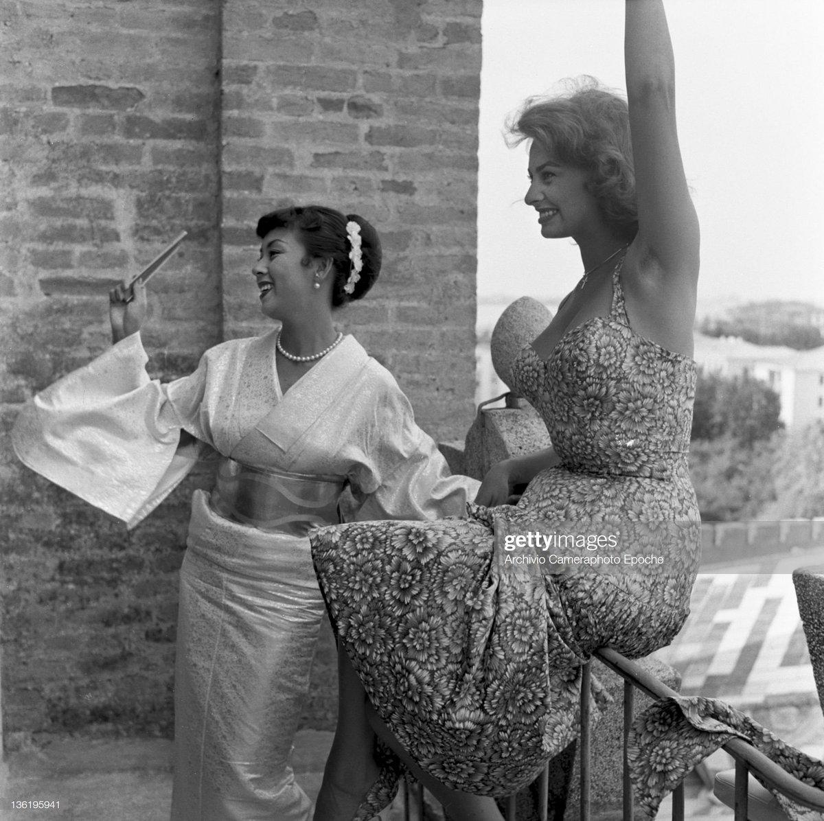 R Emmet Sweeney On Twitter Machiko Kyo And Sophia Loren At The Venice Film Festival 1955 Kyo Was Promoting Mizoguchi S Princess Yang Kwei Fei