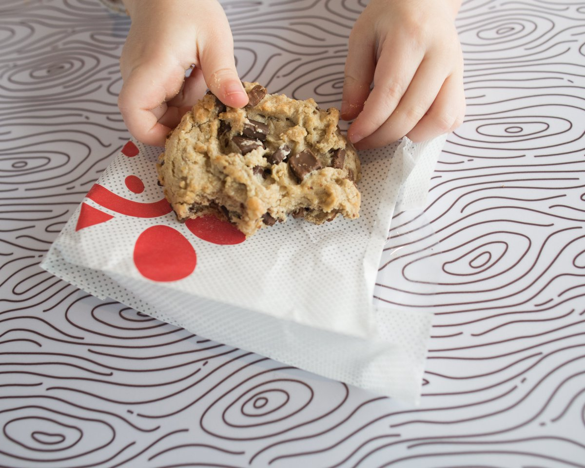 There's only one way to celebrate #NationalChocolateChipCookieDay. With a Chocolate Chunk Cookie, of course! <br>http://pic.twitter.com/M7ktQrC2g5