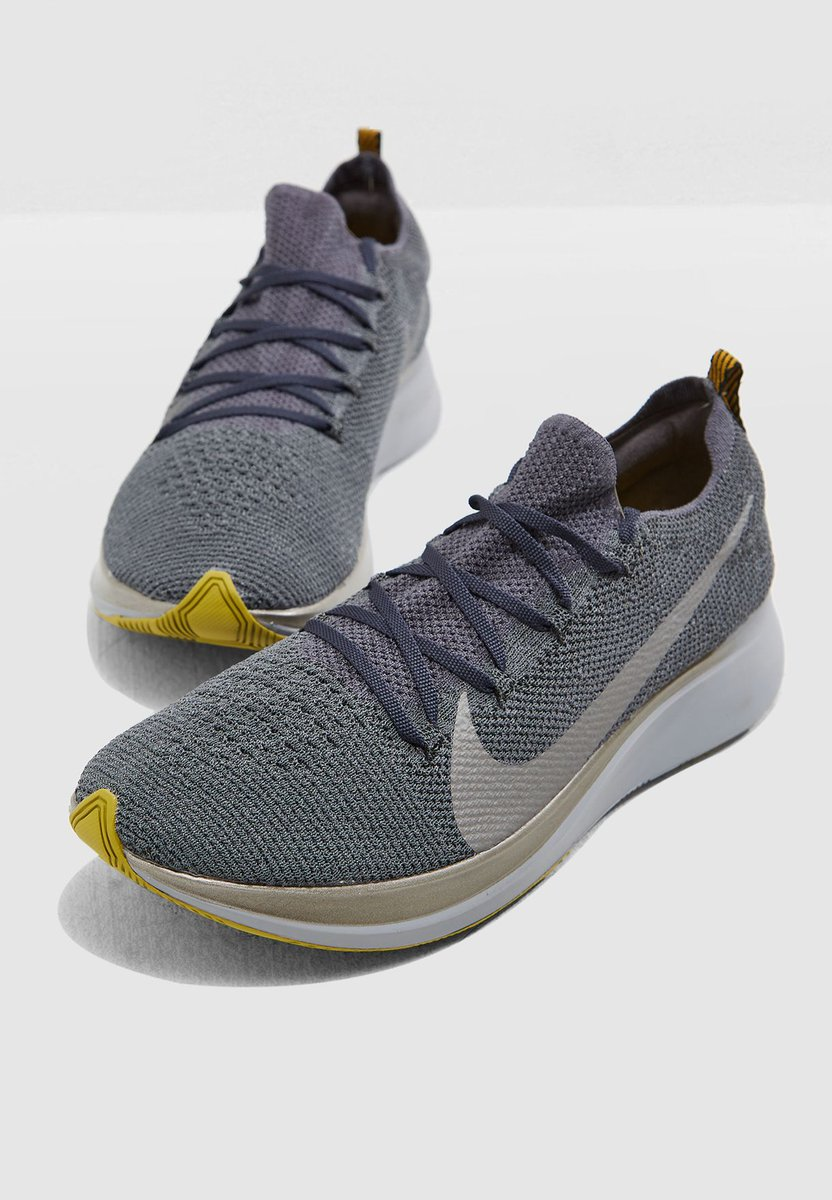8292bcebfb08c5 ... colourways of the Nike Zoom Fly Flyknit that can now be had from Nike  CA for 30% off + free shipping https   bit.ly 30iGnrq  pic.twitter.com urYtGBNBIa