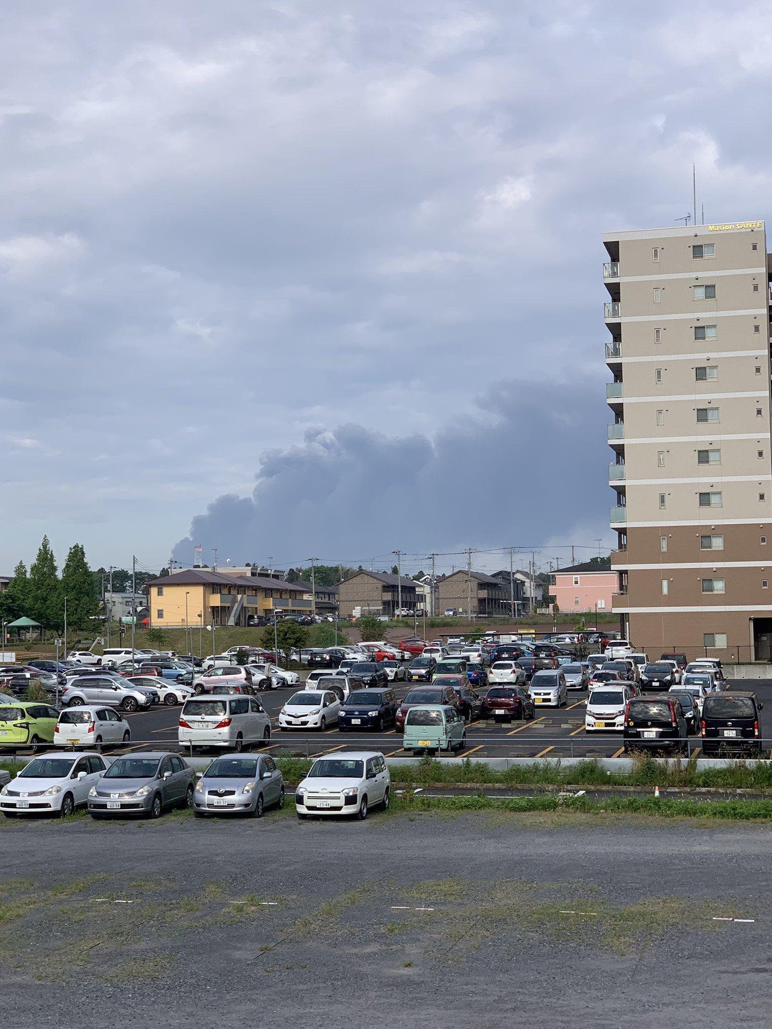 画像,万博記念公園駅から、西方面で黒煙が!#つくば #火事 #黒煙 https://t.co/foiYgum5h6。