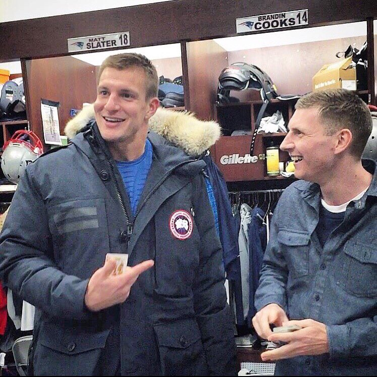 Happy birthday Rob Gronkowski . Hope you get to -spike a cake today