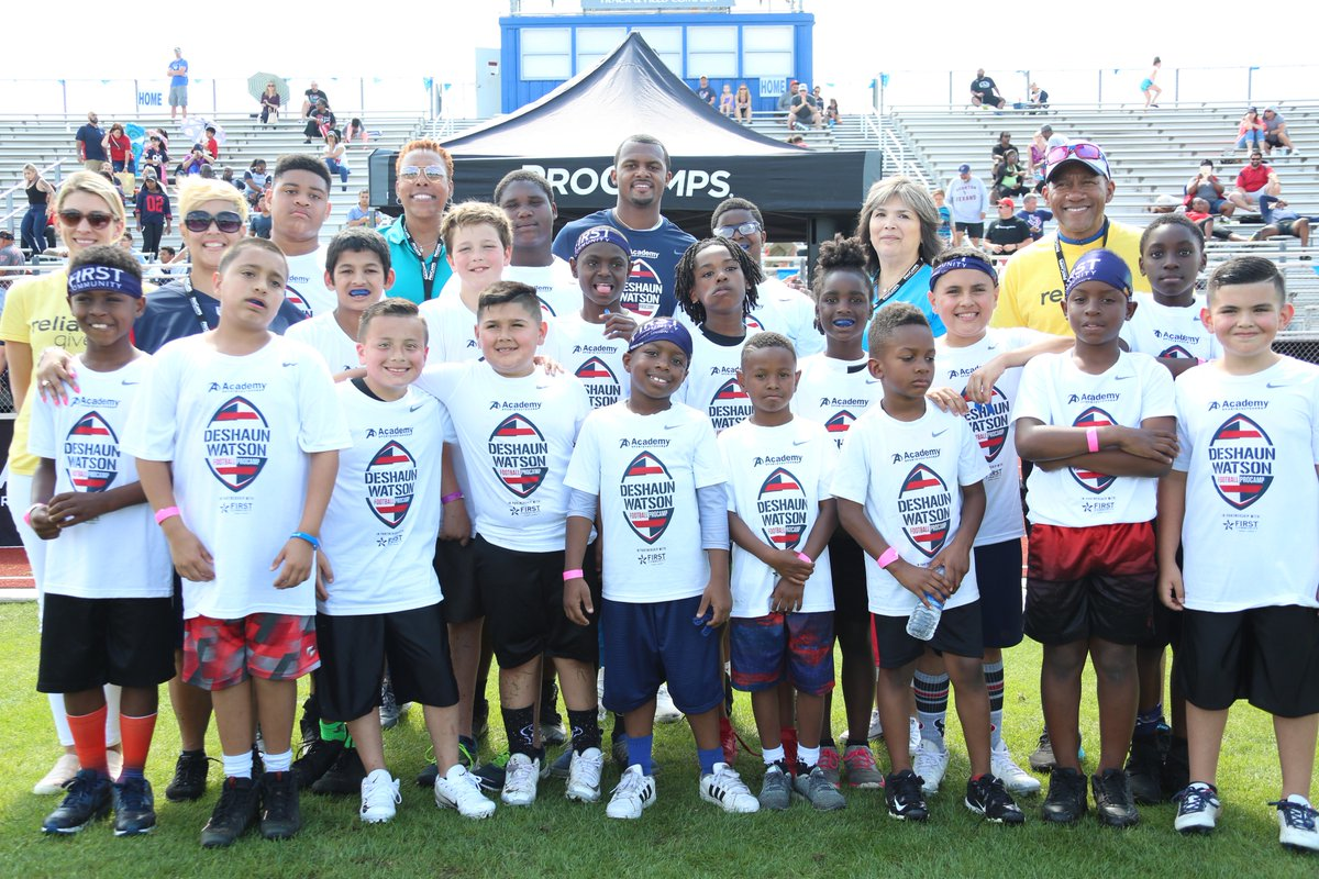 We were excited to invite these deserving kids from the @YMCAHouston to learn skills and drills from Houston Texans quarterback @deshaunwatson. Looks like everyone had a ball! 🏈 #PowerItForward
