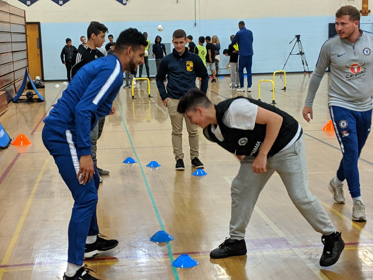 .@ChelseaFC hits the gym @framinghamps because #hate #antisemitism does not recognize borders and requires allies to be defeated. Join us for Final Whistle on Hate game 8 PM tomorrow @GilletteStadium