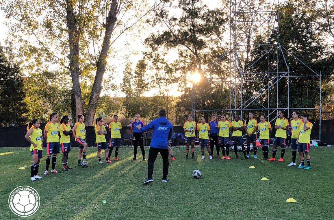 Nuestra Selección Colombia Femenina de Mayores se prepara en Santiago para el doble duelo amistoso frente a Chile. 👊🏼🇨🇴⚽️