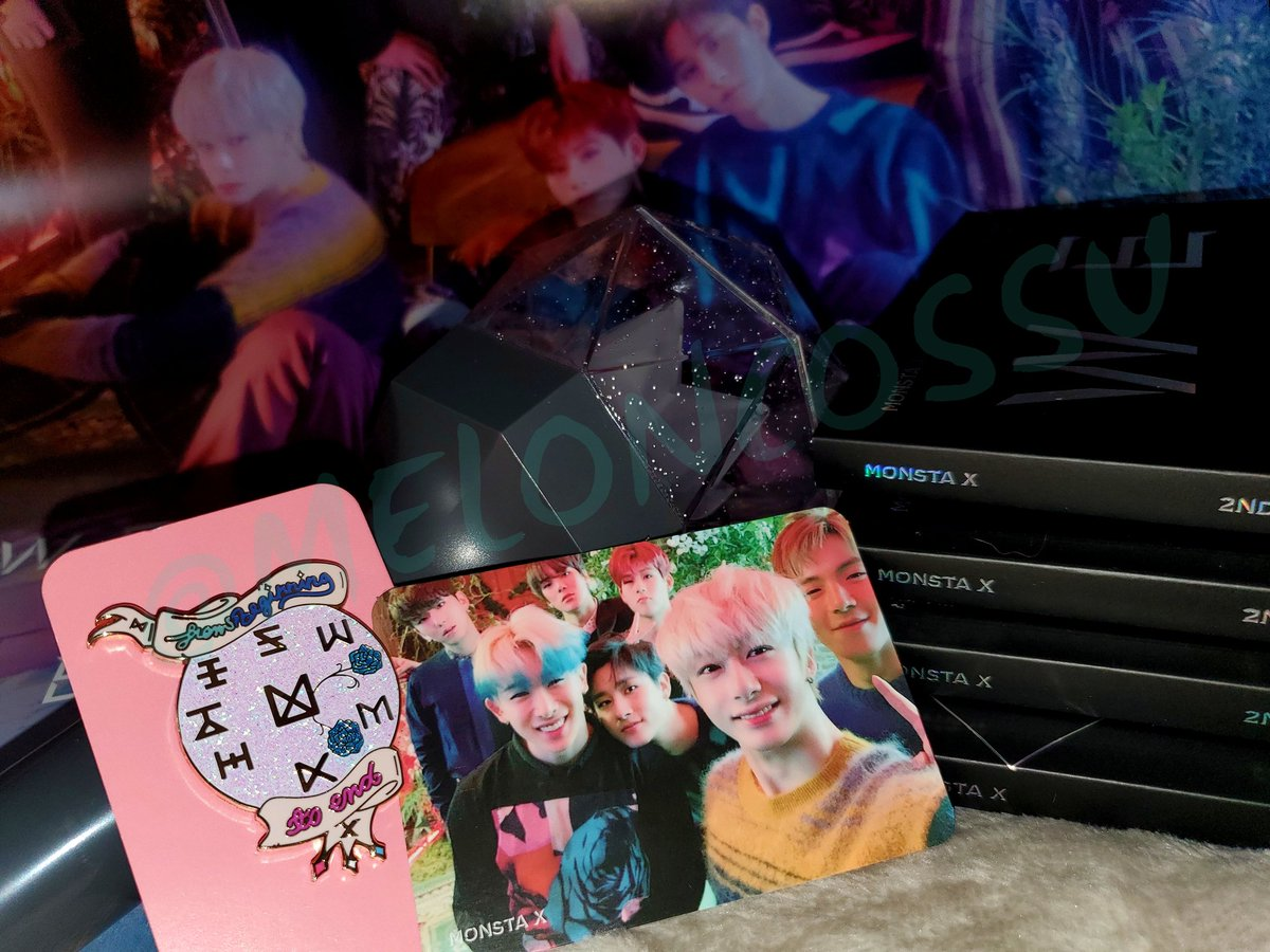 MX 4yr Anniversary Giveaway  *US Only* See photos for COMPLETE details! Prize: 1 Grand Winner~ ♡ 1 Concert tix ♡ 1 Lightstick  ♡ 1 WAH Album  ♡ 1 WAH Poster ♡ 1 WAH Group PC  ♡ 1 Pin by @mellifluon ♡ 1 Mon.G Keychain  #MONSTA_X #MONSTAX<br>http://pic.twitter.com/LbaE01Mh5L