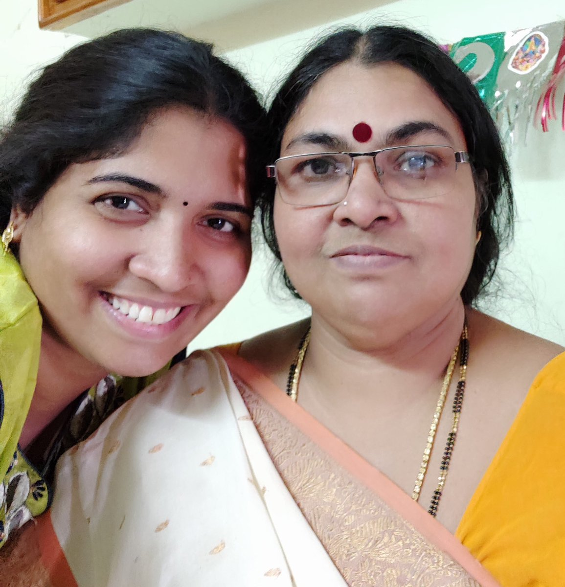 @AugmontGold #MyMotherLikeNoOther She has a sweet smile that makes me fall in love with her everyday. Shes My Distress Friend&a born magician who vanishes all my worries With her warm hug🤗Her presence makes me feel secured,her voice soothes me&I feel blessed to have a Mom who Lovs me NonStop https://t.co/rsyhnj9oPX
