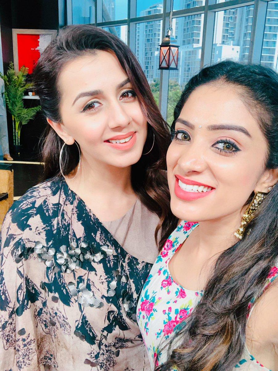 Good mornings darlings  don't forget to watch VANAKKAM TAMIZHA at 8am with Actress @nikkigalrani  . . . . #diyakarthik #krazykanmani #vanakkamtamizha #suntv #diyavj #lovemylife #stayhappy #stayblessed #positivevibes #hugsandkisses  <br>http://pic.twitter.com/73VNTXXePc