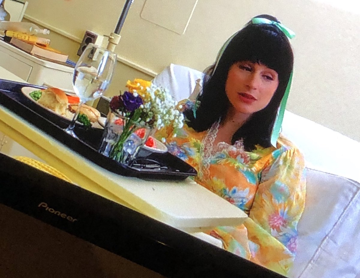 Check out my girl @sasgoldie on @FosseVerdonFX ! #BreakfastInbed
