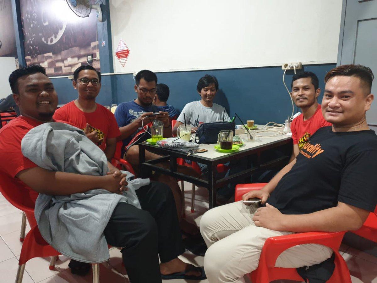 Ngopi malam menyambut acara buka bersama, mantul !! 🤙🏻  #UnitedIndonesia #UnitedTogether #UnityForUnited #MUFC