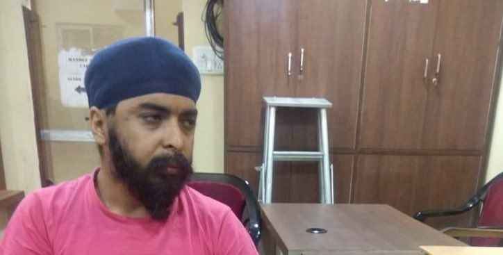 Dear @MamataOfficial Ji, Hon Wazir-e-Azam Independent Bengal Your highness,Kolkatta Police arrested an Indian Citizen named @TajinderBagga in charges of entering your country without VISA.We hope your sharia court won't hang him in public for this mistake🙏 #FreeTajinderBagga