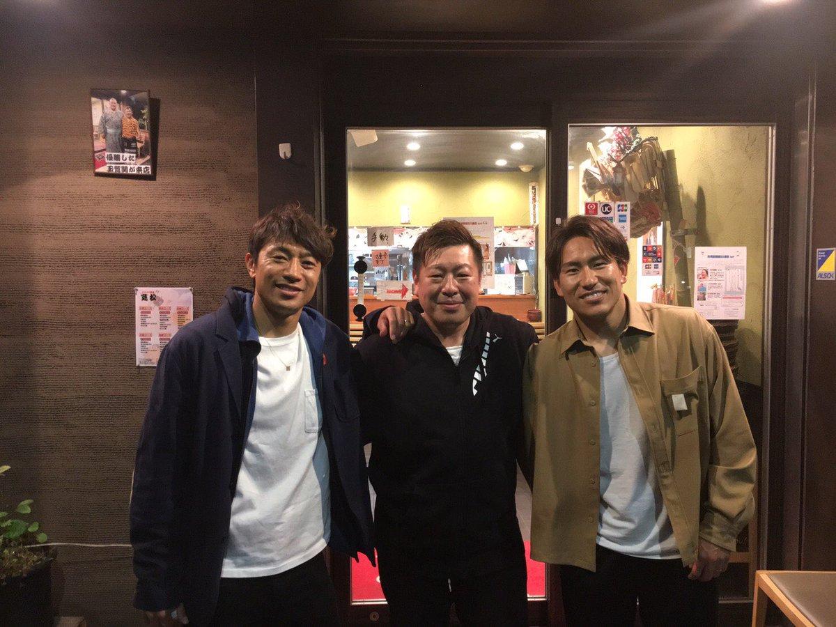 昨日湘南ベルマーレの梅崎さんとライターの安藤さんとご飯に行きました!梅崎さんとは初めてでしたが、似た境遇もあり深い話ができました。学ぶべきことが多く、とても刺激を受けました!また行きたいな!そんな2人のことを書いてるので良かったら読んでください!