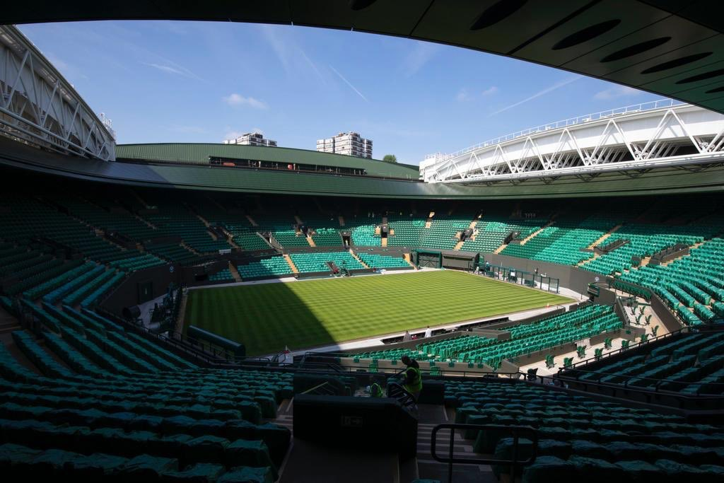 Very excited to be among the first players to test the new @Wimbledon No.1 Court Roof at The No.1 Court Celebration this weekend to raise funds for the @WimbledonFDN #RoofForAll. If you'd like to come and watch me play there are still tickets left - visit https://tickets.wimbledon.com/