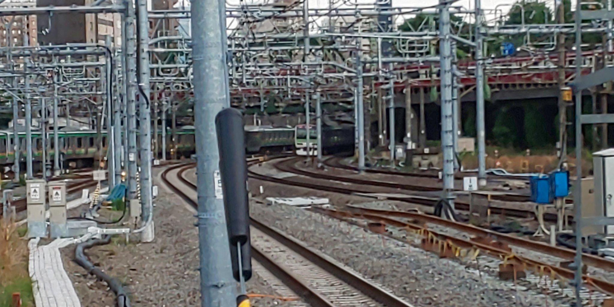 画像,#人身事故たった今だが駅を発車した‼️東海道にて‼️品川川崎間で人身事故がありほぼ運転を見合わせてるとことです。。。 https://t.co/n1MYw0yr…