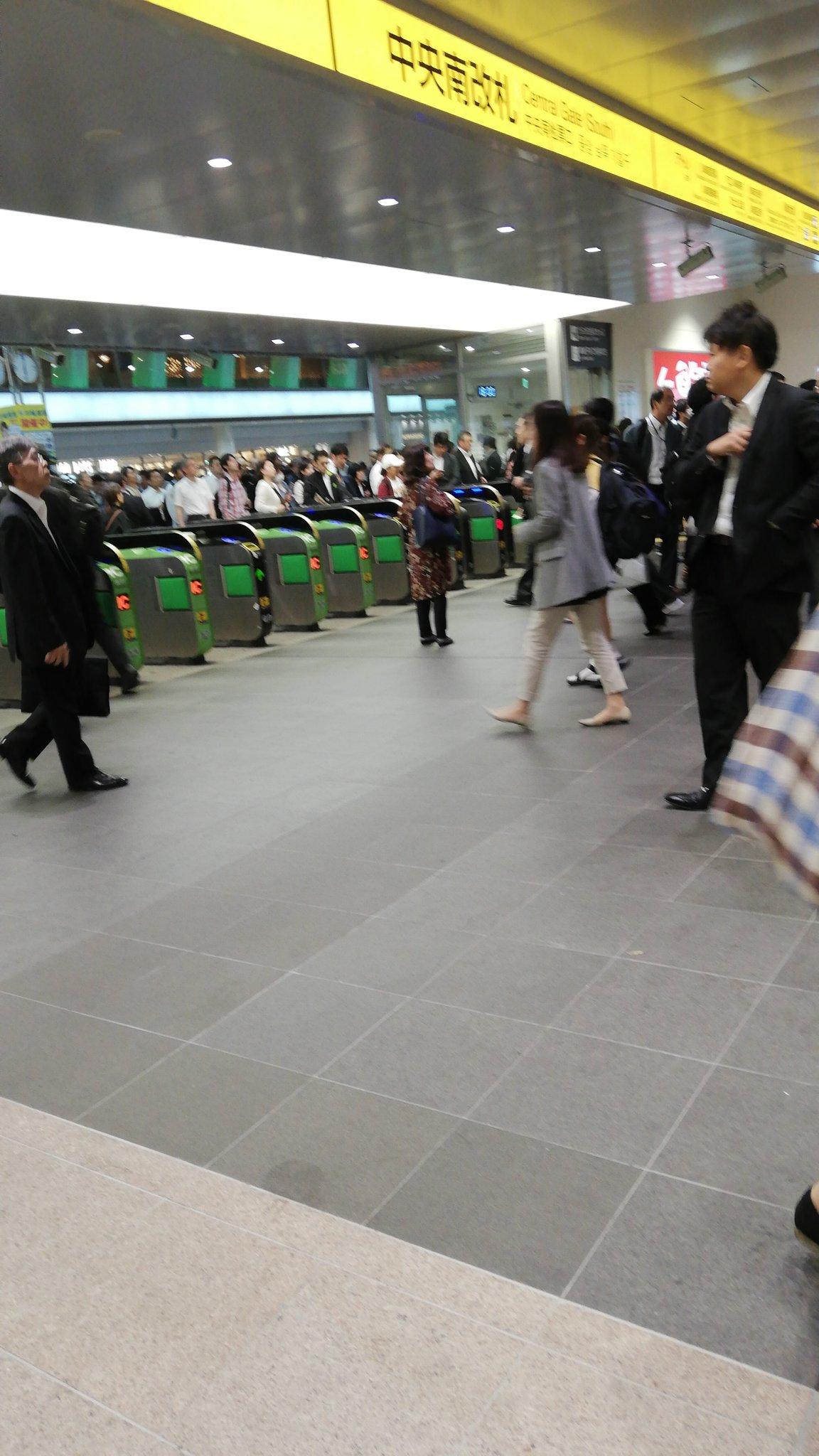画像,川崎遊びに来ていざ帰ろうかと思ったら人身事故でクソ混んでる https://t.co/PXVZM7S8xn。