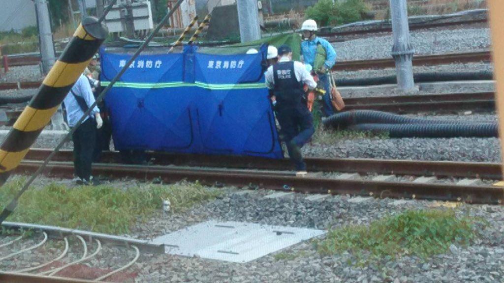 画像,品川の人身事故当該車両にリア友が乗ってたってよ… なんか可哀想振り替え輸送の影響で京急と浅草線も列車詰まってるってよ https://t.co/ebisSbAb…