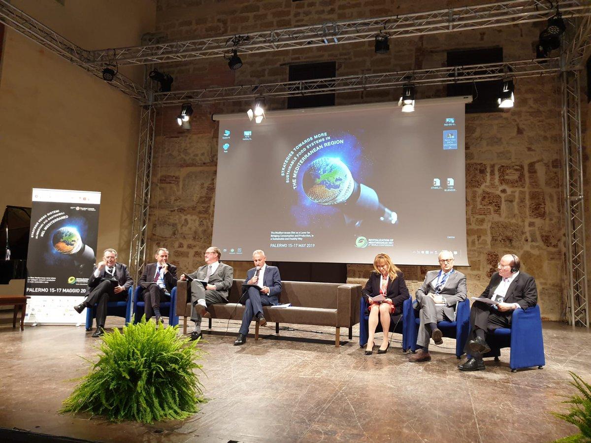 Hoekbank Palerno Pronto.Palermoforum Hashtag On Twitter