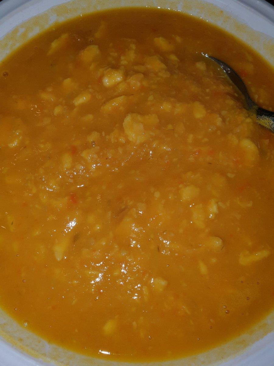 Fuori fa freddo io sono a ko ka zuppa alla zucca ci sta benissimo 😉🍽🥣❤ #buonpranzo #cibosano #cibo #lunch #zuppaallazucca #myfollowers #UnBacioFatato