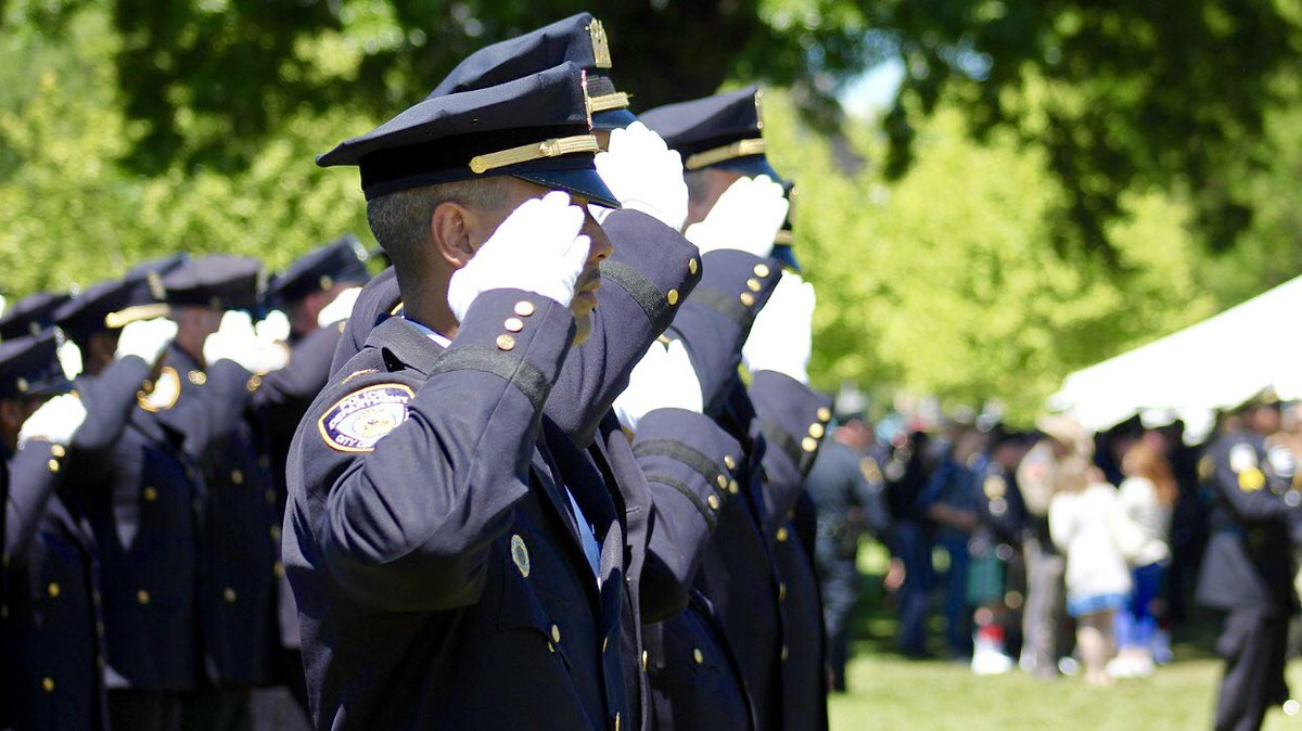On this #PeaceOfficersMemorialDay, remember our brave fallen heroes — NYPD police officers &amp; all our nation's cops, who protect &amp; defend us every day. Some never get to return home at the end of their shifts. It's their courage — their selfless sacrifices — that keep us all safe. <br>http://pic.twitter.com/4KqGqU84ol