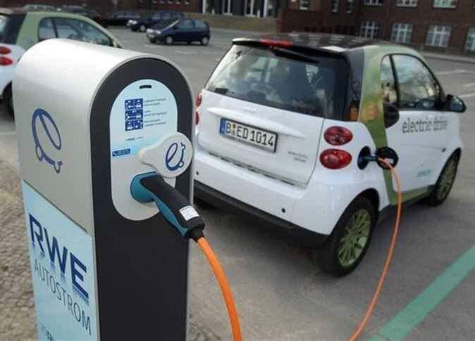 الانتهاء من تنفيذ البنية التحتية لـ6 محطات لشواحن السيارات الكهربائية في #المملكة خلال الربع الأخير من العام الجاري.(الاقتصادية)