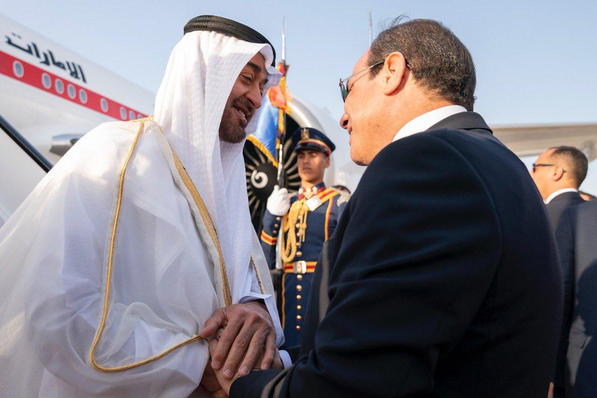 #محمد_بن_زايد يصل إلى #القاهرة والرئيس المصري عبدالفتاح #السيسي في مقدمة مستقبليه