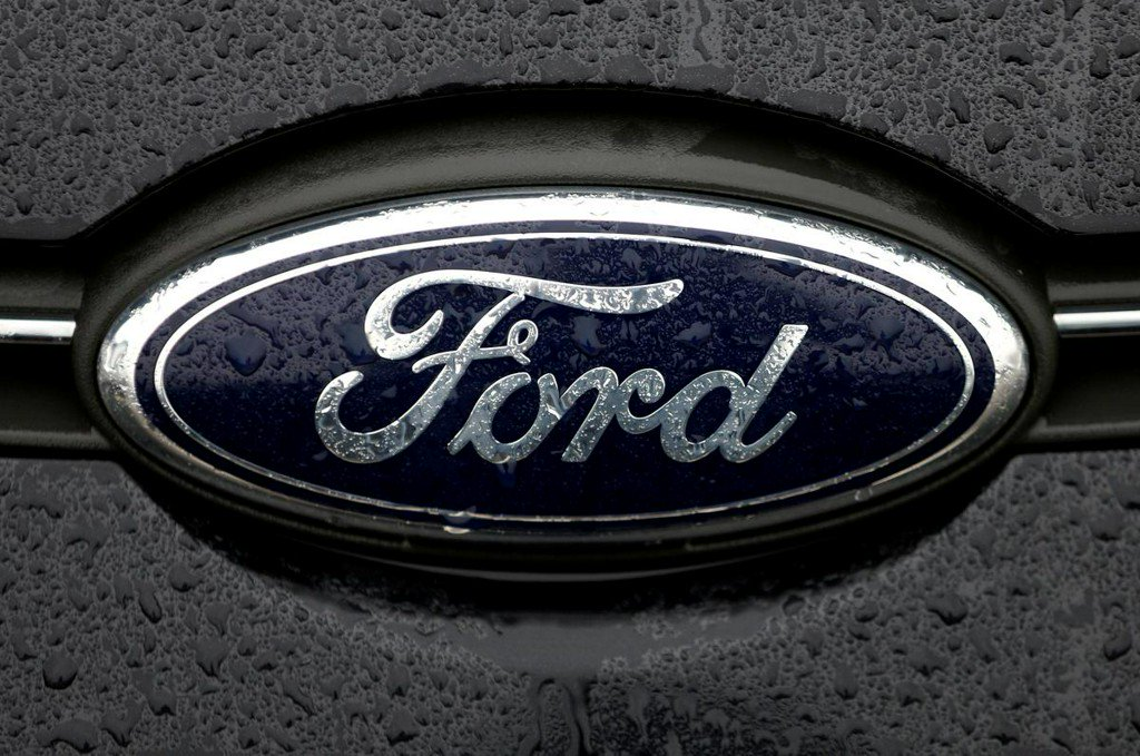 Ford recalling 270,000 cars in North America that could roll away https://t.co/1GUzjIKHsJ https://t.co/UymmkMgXMe