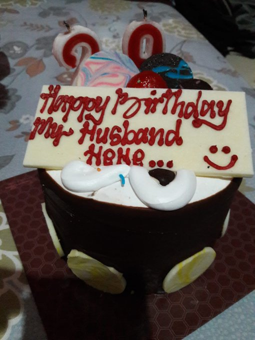 Happy Bday kaka ipar yg paling sabarrr  lopyuu hihihi