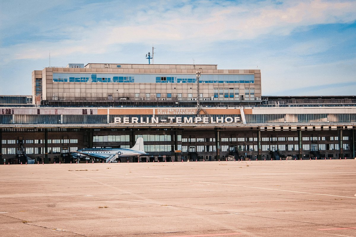 Berlin calling. Only 🔟 days left until the #BerlinEPrix at the former Tempelhof airport and also until the #EQRun. 🏃  Take your chance and sign up for an unique running experience on the official @FIAFormulaE race track. 👉 http://mb4.me/EQRun   #ABBFormulaE